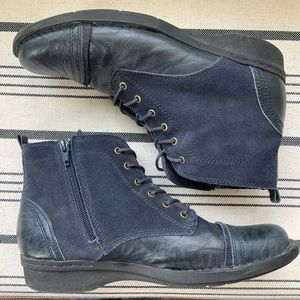 Clarks Womens Lace up, Navy Combat Booties/Boots